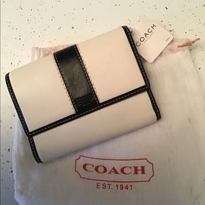 Coach Wallet  NWT